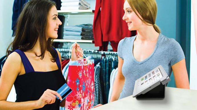 nhân viên bán hàng tư vấn cho khách
